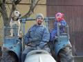 fotogalerie-matthias-hoch-auf-dem-traktor